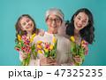 女性 花束 お誕生日の写真 47325235