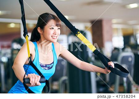19e6547f79263 トレーニングをする女性の写真素材 [47358204] - PIXTA