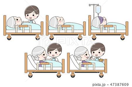 シニア女性を介護する男性介護士 セット 47387609