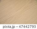 木目調のテーブル 47442793