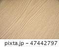 木目調のテーブル 47442797