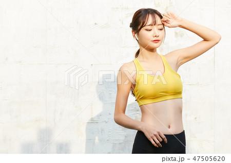 女性 スポーツウェア 47505620
