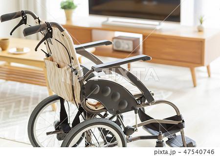 介護 車椅子 47540746