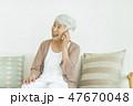 女性 シニア 通話の写真 47670048