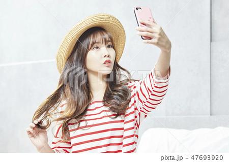若い女性 若い女 韓国人 47693920