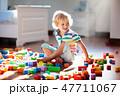 子 子供 遊ぶの写真 47711067