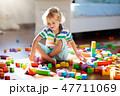 子 子供 遊ぶの写真 47711069