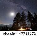 テント テント設営 空の写真 47713172