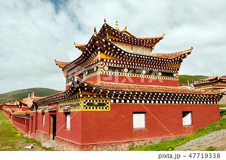 青海省 チベット仏教ニンマ派の査郎寺 47719338