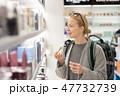 女性 ショッピング 買い物の写真 47732739