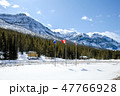冬のカナディアン・ロッキー 大陸分水嶺ーアルバータ州とブリティッシュ・コロンビア州の州境 47766928