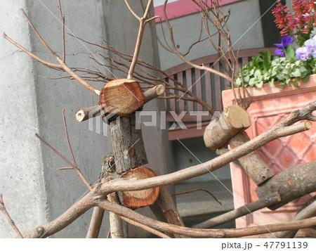 木材のトナカイ親子のオブジェ 47791139
