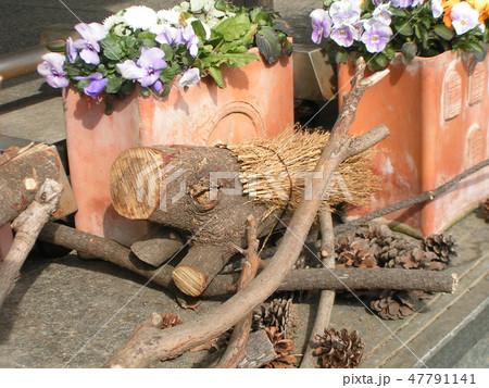 木材のイノシシのオブジェ 47791141