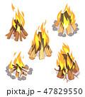 キャンプファイア キャンプファイヤー 燃えるのイラスト 47829550