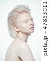 ホワイト 女性 メスの写真 47863011