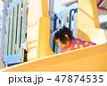 滑り台 遊ぶ 女の子の写真 47874535