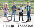 キッズ 子供 ジャンプの写真 47888306