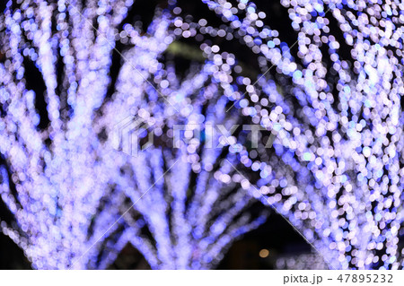 Light Bokeh from the night light for Background 47895232