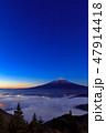 山梨_夜明けの富士山 47914418