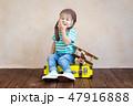 子 子供 航空機の写真 47916888