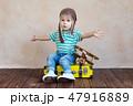 子 子供 航空機の写真 47916889