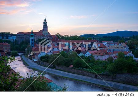 Cesky Krumlov skyline at twilight in, Czech 47932438