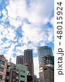 《東京都》爽やかな大空・六本木都市風景 48015924