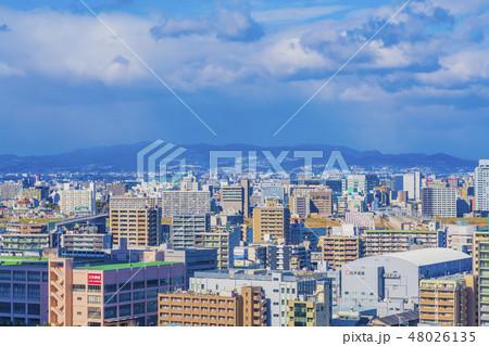 大阪 梅田 ビル群 中津、十三方面 48026135