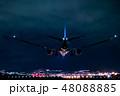 夜のジェット旅客機着陸シーン 48088885