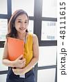 女性 若い女性 笑顔の写真 48111615