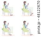 女性 スマホ スマートフォンのイラスト 48122670
