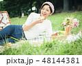 ピクニック 女性 48144381
