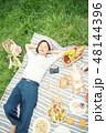 ピクニック 女性 48144396