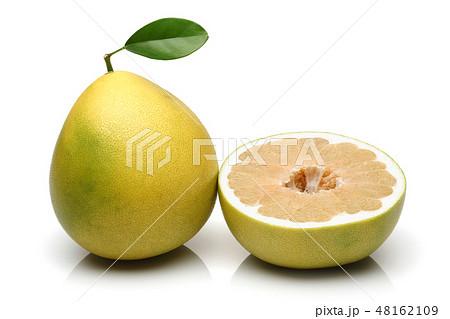 Fresh pomelo fruits isolated on white 48162109