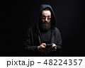 男 男性 スマフォの写真 48224357
