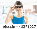 スポーツジム 若い女性 48271027