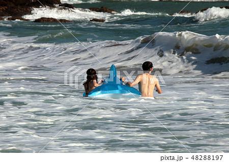 海水浴・夏だ~ 48288197