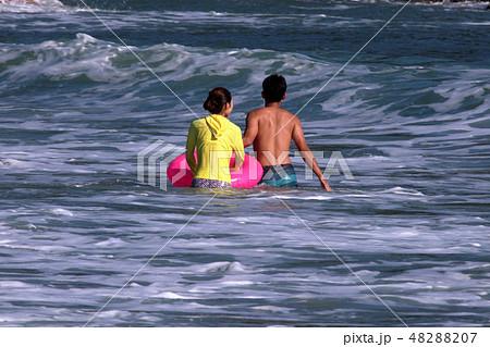 海水浴・夏だ~ 48288207