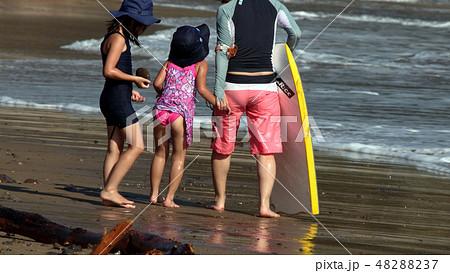 海水浴・夏だ~ 48288237