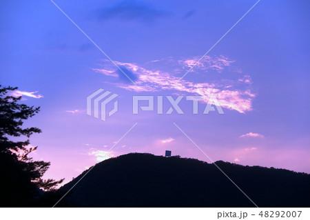 空と雲と山 夕焼け 48292007