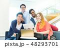 グローバルビジネス チームワーク 多国籍  外資系 ベンチャー IT 48293701