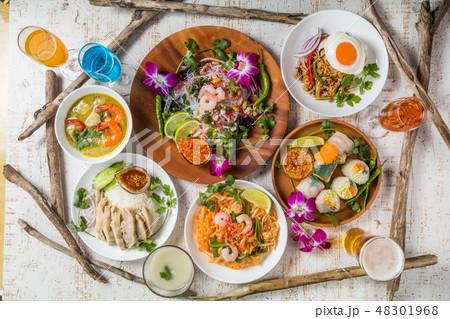 代表的なタイ料理 typical Southeast Asian cuisine 48301968