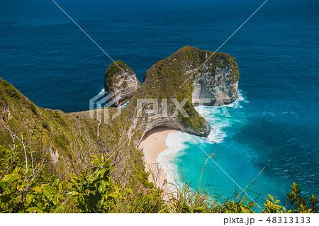Manta Bay or Kelingking Beach in Nusa Penida, Bali 48313133