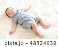 男の子 赤ちゃん 赤ん坊の写真 48324939