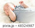 男の子 赤ちゃん 赤ん坊の写真 48324987