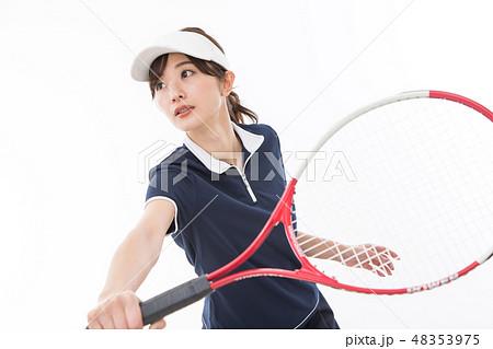 若い女性 テニス 48353975