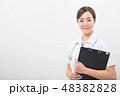 笑顔の若い看護師 48382828