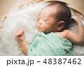 ベビー 男の子 誕生の写真 48387462