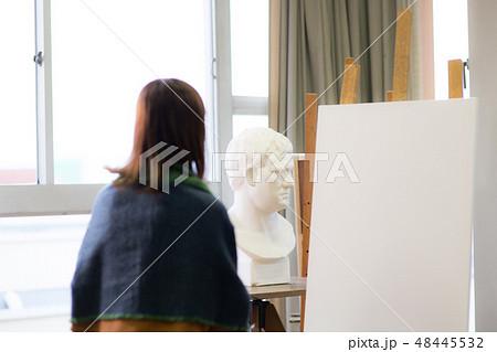 美術アトリエ 石膏デッサン 48445532