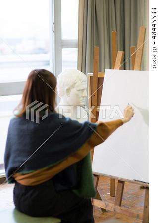 美術アトリエ 石膏デッサン 48445533